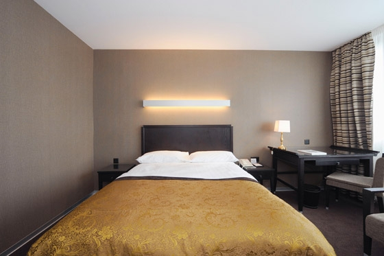 Reconstruction Hotel Continental by API DESIGN | Hotels