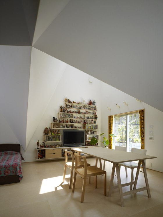 HOUSE IN KOHOKU by TORAFU ARCHITECTS | Detached houses
