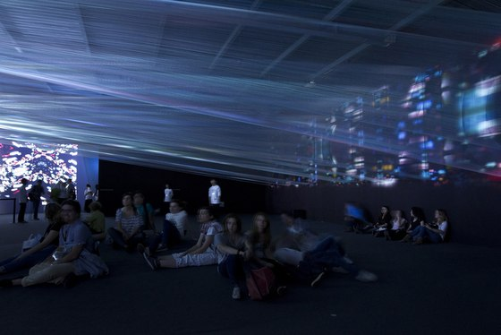 TORAFU ARCHITECTS-Light Loom (Canon Milano Salone 2011)