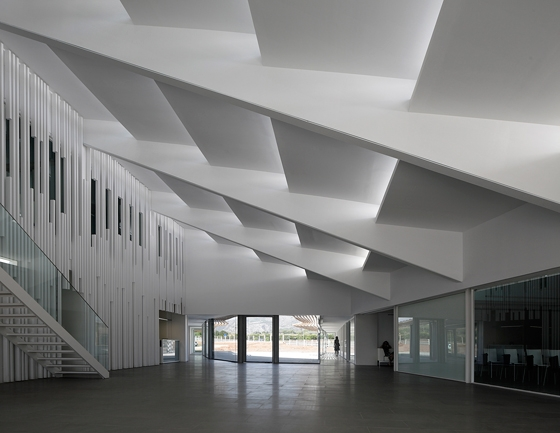 The Azahar Group Headquarters by OAB – Office of Architecture in Barcelona | Office buildings