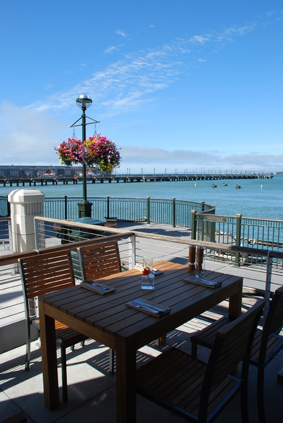 CCS ARCHITECTURE-The Plant: Café Organic at Pier 3