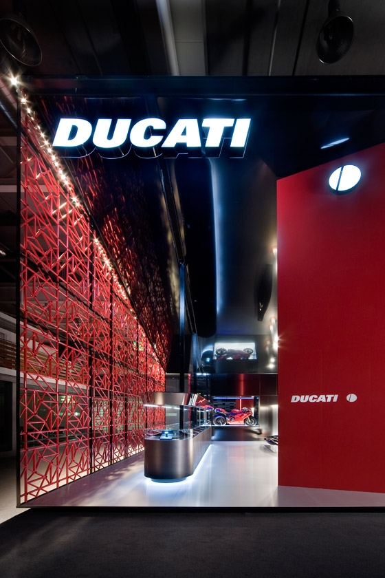 DUCATI  (Baselworld 2008) by Dordoni Architetti | Trade fair stands