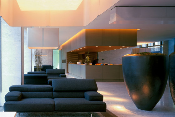 Sofitel Alter Wall by bert haller innenarchitekten | Hotels