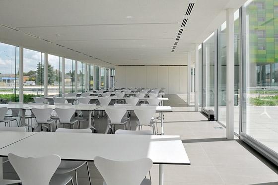 Offices Infrax West di Joe Crepain | Edifici per uffici