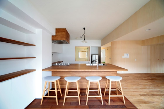 House in Midorigaoka by Yusuke Fujita / Camp Design Inc. | Living space
