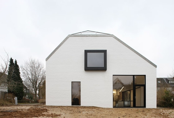 House Satiya by adn architectures | Detached houses