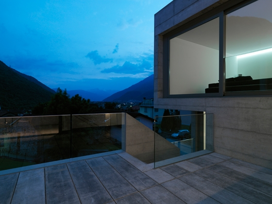 House in Lumino by Davide Macullo Architects | Detached houses