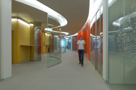 Headquarter Seat Pagine Gialle de Iosa Ghini | Edificio de Oficinas