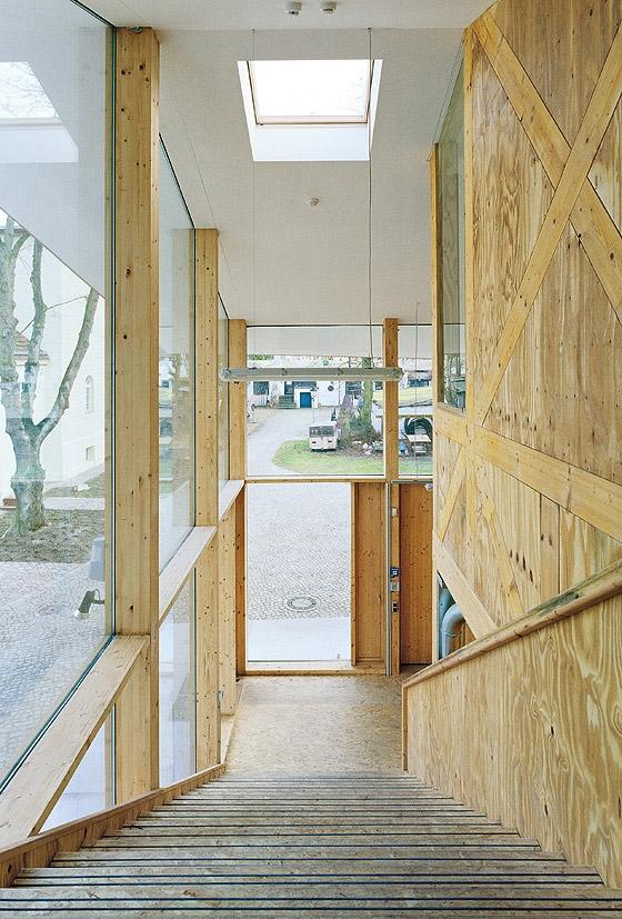 ausbildungswerkst tten rzb e v von utarchitects schulen. Black Bedroom Furniture Sets. Home Design Ideas