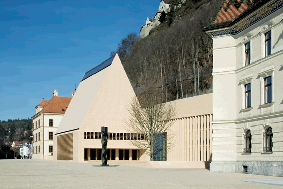 The New Parliament Building for the Principality of Liechtenstein by Licht Kunst Licht | Administration buildings