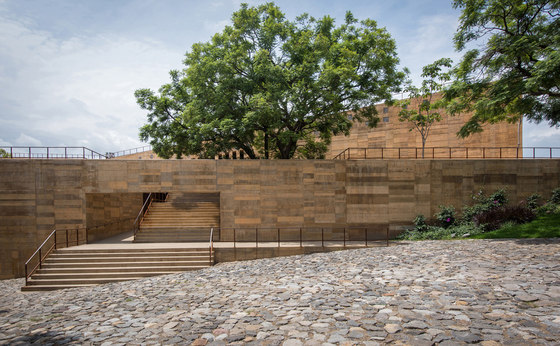 Teopanzolco Cultural Center by Productora | Office buildings