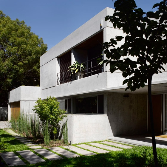 Las Lomas House by Estudio Ramos | Detached houses