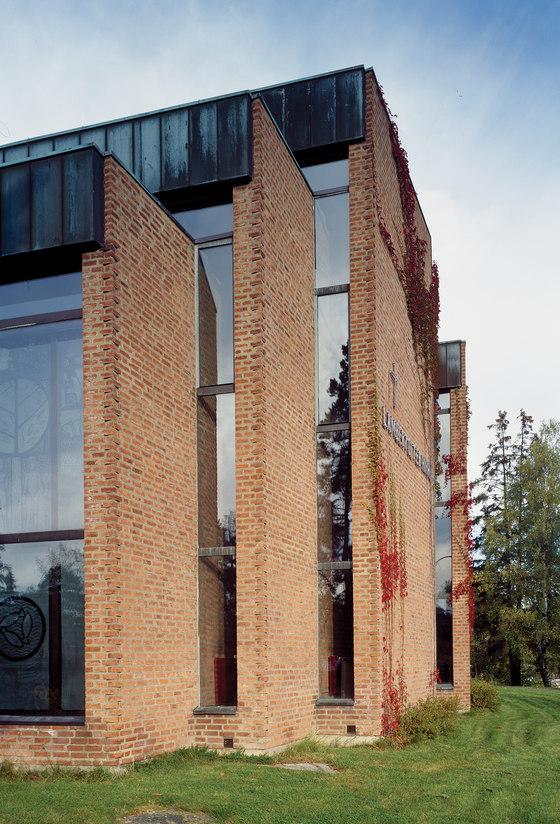 Lambertseter church by Hille Melbye Arkitekter | Church architecture / community centres