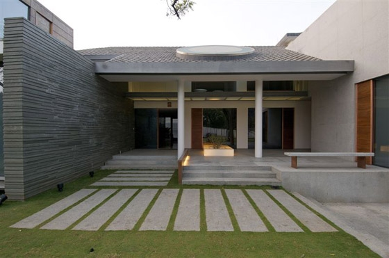 House in Hyderabad by Rajiv Saini | Detached houses