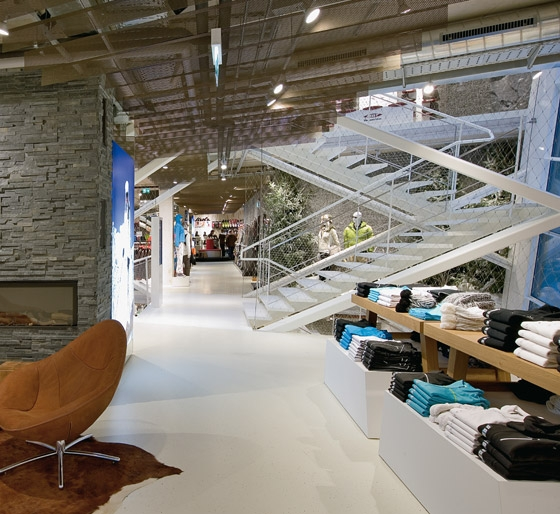 Bründl Flagshipstore by Blocher Blocher Partners | Shops