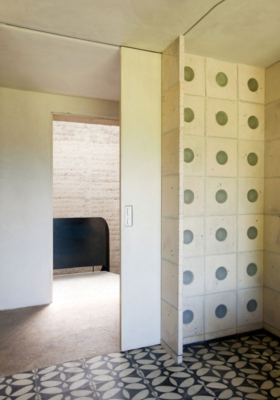 Rammed earth house, Rauch family home de Boltshauser Architekten | Casas Unifamiliares