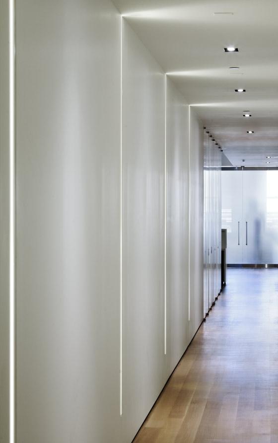 Corridor Roof Design: TWG Law Loft By Studio Tractor Architecture