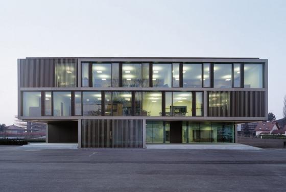 School «Le Marais du Billet», Cheseaux-sur-Lausanne by Graeme Mann & Patricia Capua Mann | Schools