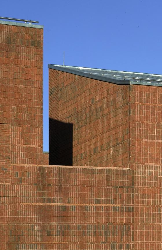 Judicial Centre in Debrecen by Koller & Co. Design Ltd.   Administration buildings