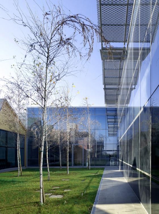 FOCCHI Headquarters de Mario Cucinella Architects Srl | Immeubles de bureaux