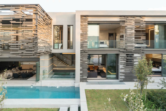 Forest Road Home by Nico van der Meulen Architects | Detached houses
