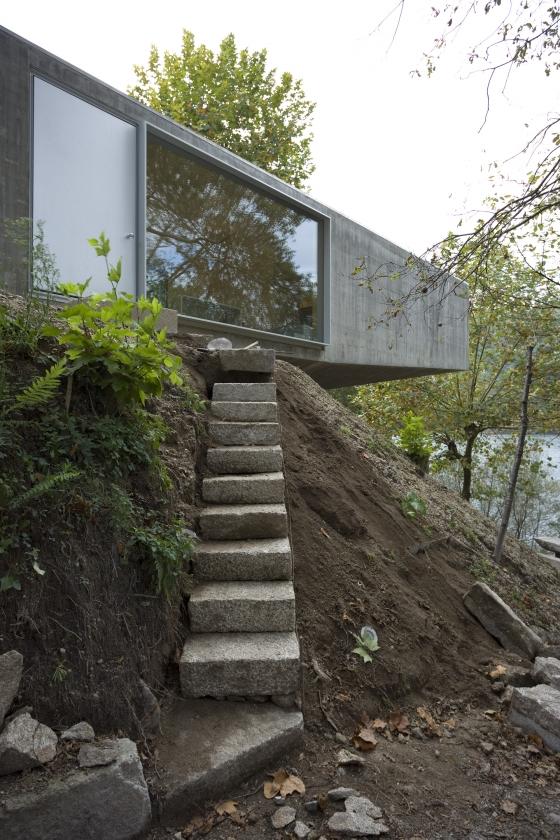 Correia / Ragazzi Arquitectos-Casa no Gerês