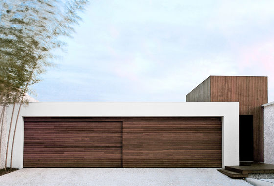 AS House by Guilherme Torres | Detached houses