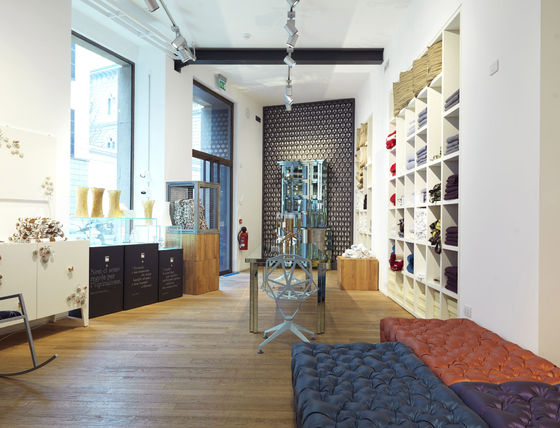 SKITSCH_Milano_via Fratelli Gabba by BLAST Architetti | Shops