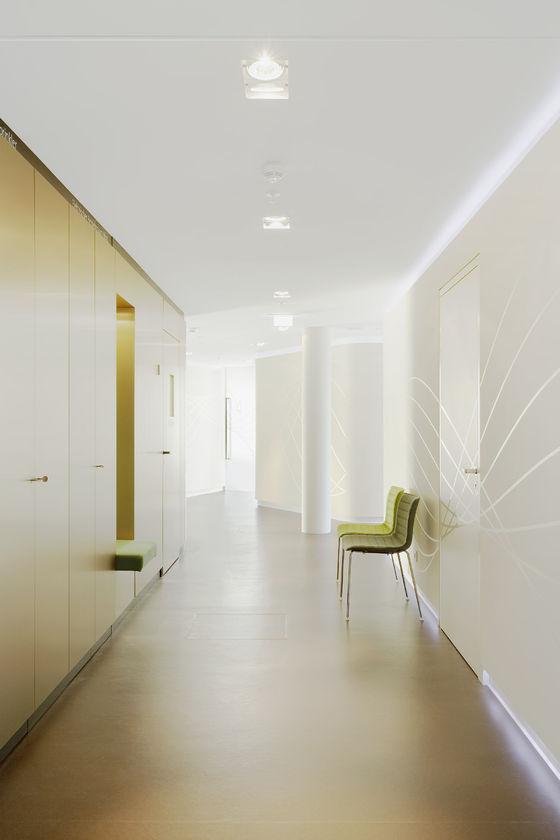Zahnarztpraxis »smiledesigner-Lounge SailCity« von GfG / Gruppe für Gestaltung GmbH | Praxen