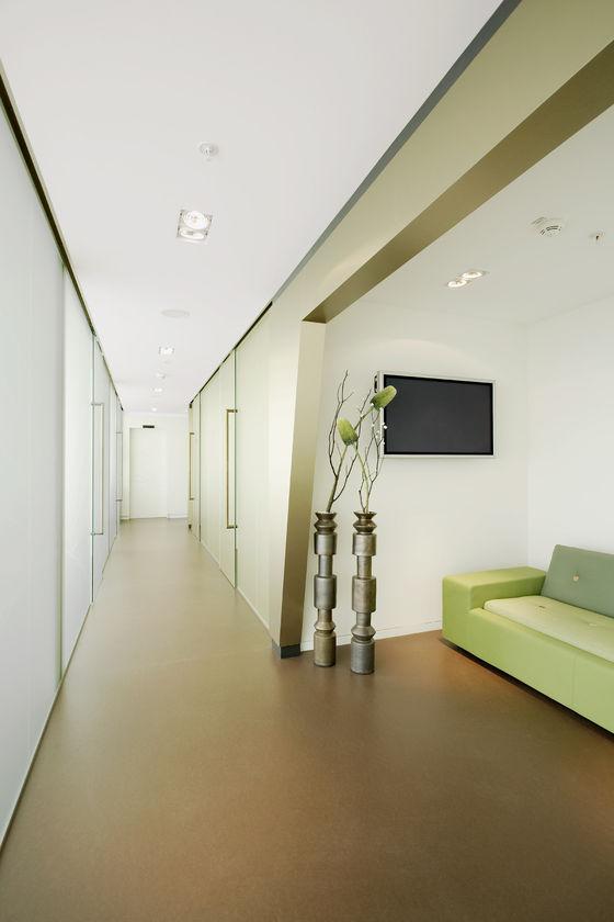 Zahnarztpraxis »smiledesigner-Lounge SailCity« by GfG / Gruppe für Gestaltung GmbH | Doctors' surgeries