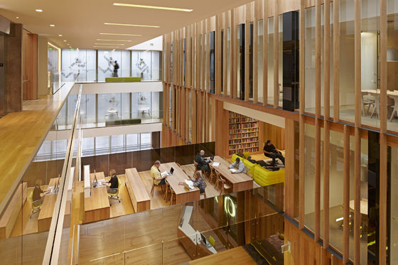 John E. Jaqua Center for Student Athletes at the University of Oregon di ZGF Architects LLP | Università