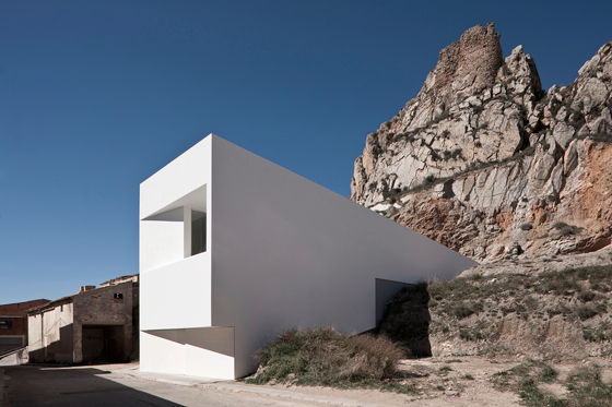 House on Mountainside de Fran Silvestre Arquitectos | Casas Unifamiliares