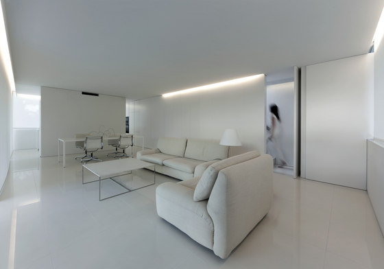 Breeze House by Fran Silvestre Arquitectos | Detached houses