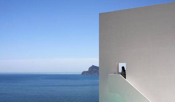 House on the cliff von Fran Silvestre Arquitectos | Einfamilienhäuser