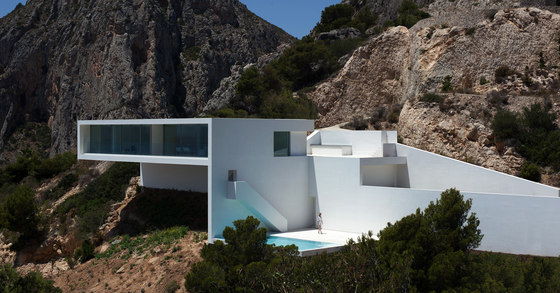 Fran Silvestre Arquitectos-House on the cliff