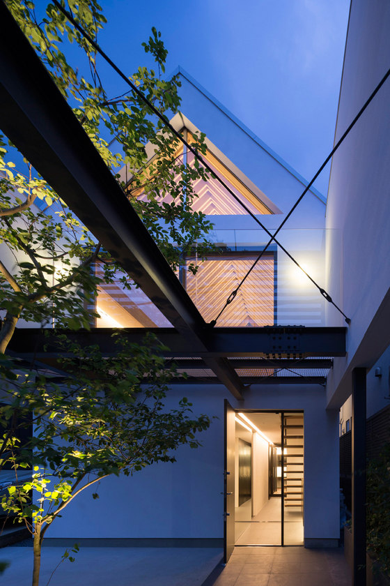 ARK by APOLLO Architects & Associates | Detached houses