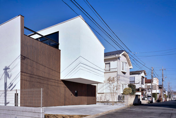 PATIO by APOLLO Architects & Associates | Detached houses
