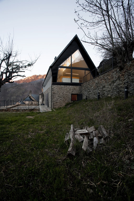 House at The Pyrenees by Cadaval & Solà-Morales | Detached houses