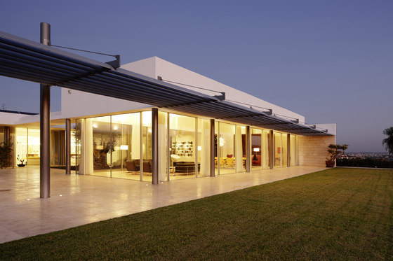 Villa in Nikosia by Berger swissFineLine | Detached houses