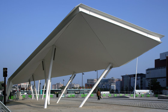 Lilas' pavilion / Lilas' bus stop von Matthieu Gelin & David Lafon | Denkmäler/Skulpturen/Aussichtsplattformen