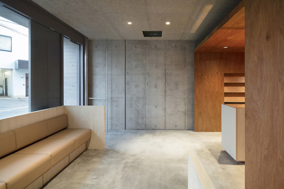 Pharmacy where healthy people gather by Tsubasa Iwahashi Architects | Doctors' surgeries
