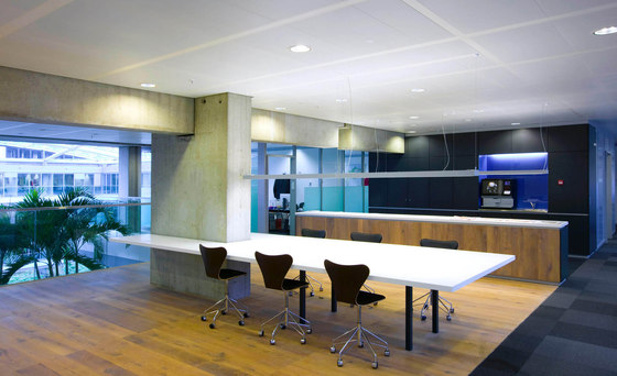 Renovation of Ministry of Finance building de Meyer en Van Schooten Architecten (MVSA) | Edificio de Oficinas