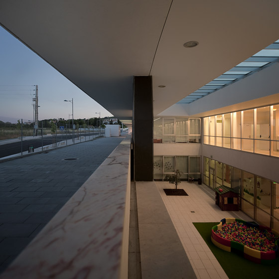 School Center Alenquer by André Espinho Arquitectura | Schools