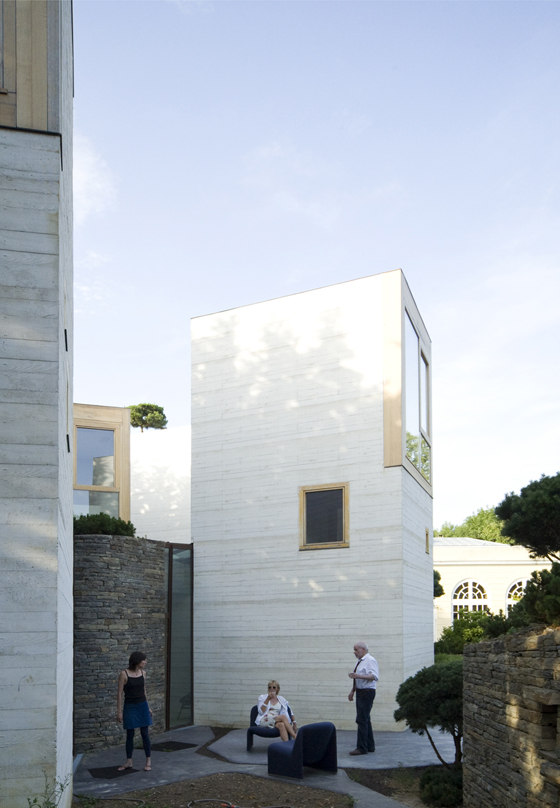 Maison L by christian pottgiesser architecturespossibles | Detached houses
