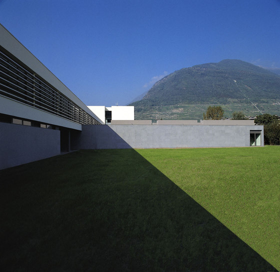 New Professional Training School in the Sondrio Campus de LFL architetti | Escuelas