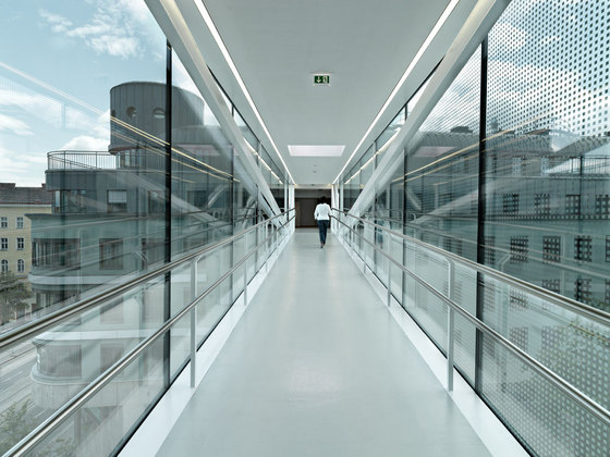 SOLID architecture-Skywalk
