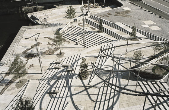 Hafencity public space by miralles tagliabue for Spaces landscape architecture