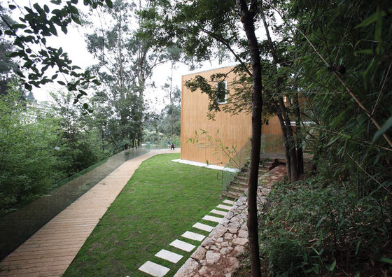 Integer Bamboo House by Oval Partnership | Detached houses