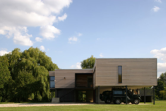 The Attwood House by John Pardey Architects | Detached houses