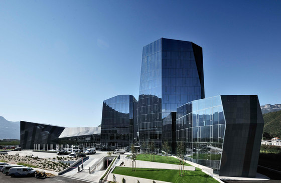 Salewa Headquarters de Park Associati | Edificio de Oficinas